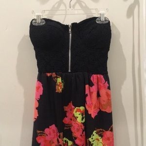 Strapless floral dress with padding & lace